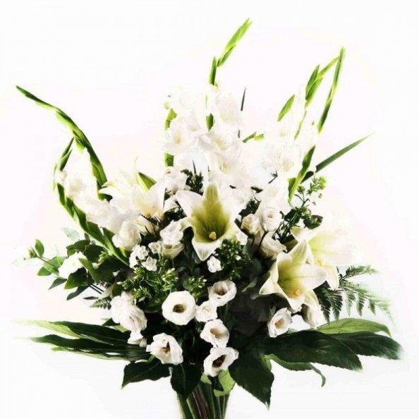 זר פרחים - סייפנים בלבן